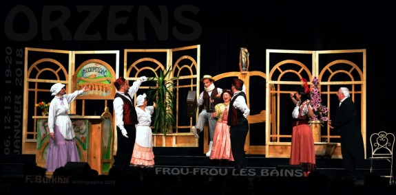 scenographie F-Burkha FROU-FROU-LES-BAINS Orzens 06-12-13-19-20 janv 2018 B
